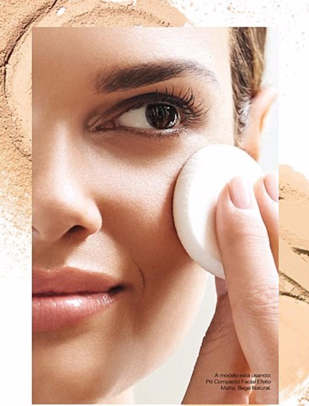 Avon Maquiagem Ideal Face Pó Compacto Facial Efeito Matte FPS 24 Marrom Claro 11g