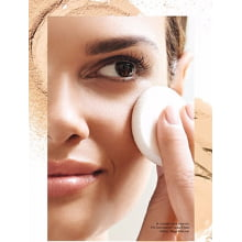 Avon Maquiagem Ideal Face Pó Compacto Facial Efeito Matte FPS 24 Bege Claro 11g